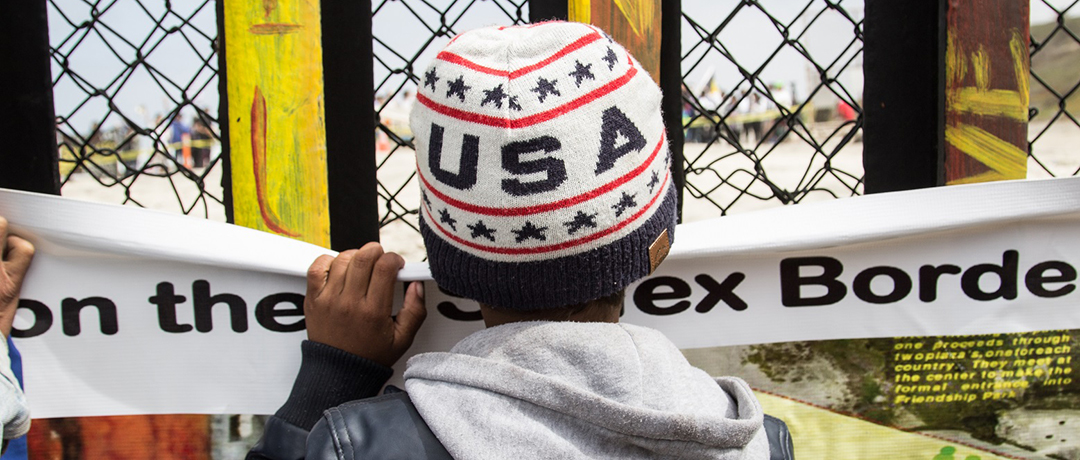 photos-for-media_-boy-with-usa-hat-at-wall_1080x460.jpg